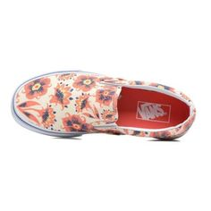 VANS Classic Slip-On W ❤ liked on Polyvore featuring shoes, vans shoes, vans footwear, slip on shoes, pull on shoes and slip-on shoes