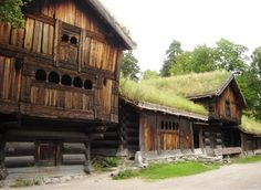 Norwegian houses: I wonder how do they look like as a whole? Are these just ornamented primitives without any order?
