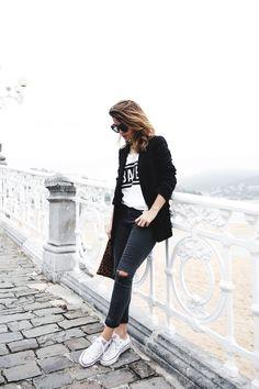 San_Sebastian-Lovers_And_Friends-Leopard_Clutch-Clare_Vivier-21