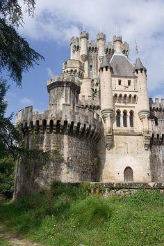 Ein kleines, privates Bürglein in der Nähe von Bilbao.  www.visualbakery.com