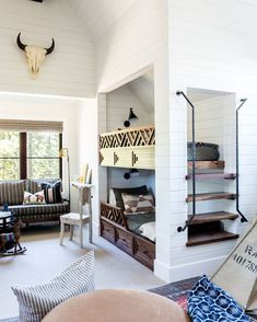 Mint Bedroom, Alice Lane Home, Modern Bunk Beds, Built In Bunks, Bunk Rooms, Bunk Bed Designs, Teen Bedding, Kids Bunk Beds, Loft Spaces
