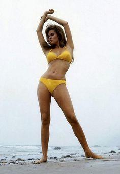 Net Image: Raquel Welch: Photo ID: . Picture of Raquel Welch - Latest Raquel Welch Photo. Bikini Vintage, Vintage Swimsuits, Raquel Welch Bikini, Bikini Jaune, Rock And Roll, Anita Ekberg, Hollywood, Yellow Bikini, Jayne Mansfield