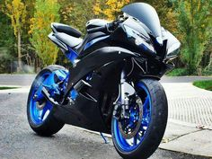 Aww, please let me have this. Yamaha Sport, Yamaha R6, Yamaha Motorcycles, Cars And Motorcycles, Best Motorbike, Motorcycle Gear, Custom Sport Bikes, Speed Bike, Sportbikes