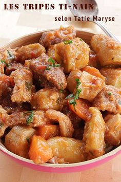 Les tripes ti-nain : un plat antillais délicieux - Expolore the best and the special ideas about Frugal meals Tripe Recipes, Haitian Food Recipes, Cuban Recipes, Creole Recipes, Tips & Tricks, Caribbean Recipes, My Best Recipe, Frugal Meals, Lunches And Dinners
