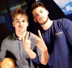 Teen Wolf - Dylan Sprayberry and Cody Christian Teen Wolf Stiles, Teen Wolf Boys, Teen Wolf Dylan, Teen Wolf Cast, Dylan Sprayberry, Cody Christian, Mike Montgomery, Teen Wolf Memes, Scott Mccall