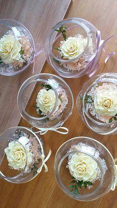 프리저브드플라워 유리수반어레인지 #프리저브드플라워 Home Flowers, Diy Flowers, Flower Pots, Weding Decoration, Flower Decorations, Modern Floral Arrangements, Flower Arrangements, Arreglos Ikebana, Moss Decor