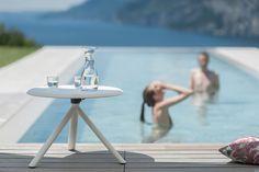 Tavola Miura ( Miura table ) http://www.idfdesign.com/bar-tables-rounded/miura-mod-9553-01.htm [ #plankdesign #outdoor #designfurniture #designicons #idfdesign #stakabletable ]