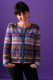 Here is a free access to a wide selection of women's jacquard knit cardigan to help you make your own. Take the time to unravel all the peculiarities in order to be able to build your jacquard vest suitably without any flaws. Fair Isle Knitting Patterns, Fair Isle Pattern, Knitting Designs, Knit Patterns, Punto Fair Isle, Tejido Fair Isle, Mundo Hippie, Norwegian Knitting, Knitwear