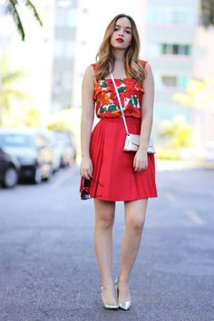 Look do dia: lady in red