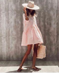 Fashion Themes, Fashion 2020, Look Fashion, Fashion Outfits, Womens Fashion, City Fashion, 90s Fashion, Dress Fashion, Fashion Clothes
