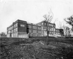 Springfield, Illinois. Springfield Highschool 1918. Courtesy of Springfield Rewind and Sangamon Valley Archives.