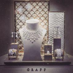 Stock Photo - Xmas Christmas window display of jewelers shop in Hay-on-Wye Powys Wales UK