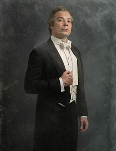 The Cast of Downton Sixbey | Photo Gallery | Late Night | NBC (The Earl of Downton Sixby)