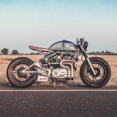 #caferacerstyle #xv750virago Virago Cafe Racer, Yamaha Virago, Custom Motorcycles, Custom Bikes, Cars And Motorcycles, Pale Horse, Motorcycle Helmets, Bobber, Motorbikes