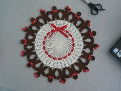 Cutest gingerbreadman doily! Crochet World December 2008