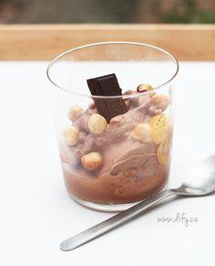 Recept na domácí italskou čokoládovou zmrzlinu bacio Gelato, Oatmeal, Goodies, Frozen, Pudding, Ice Cream, Yummy Food, Breakfast, Desserts