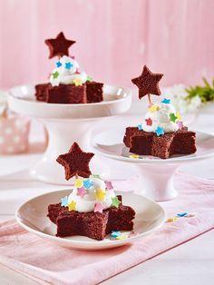 Süße Brownies-Sterne schnell aus einer Backmischung zubereitet