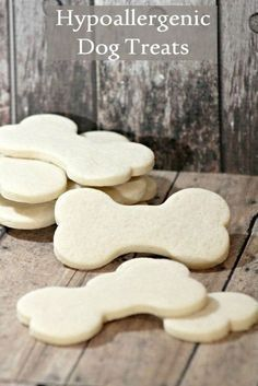 Hypoallergenic Dog Treat Recipe with Limited Ingredients Looking for a limited ingredient hypoallergenic dog treat for your sensitive pooch? These easy biscuits have just four ingredients, all gentle on tummies. Dog Biscuit Recipes, Dog Treat Recipes, Healthy Dog Treats, Dog Food Recipes, Gourmet Dog Treats, Dog Biscuits, Easy Biscuits, Hypoallergenic Dog Treats, Cartoon Disney