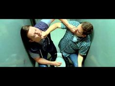 """21 JUMP STREET - """"finger each others mouth clip""""  LMAO this has to be one of the funniest scenes ever"""