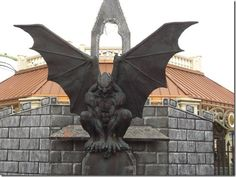Gargoyle - this would look very interesting on my roof! I wonder how the owl would react....