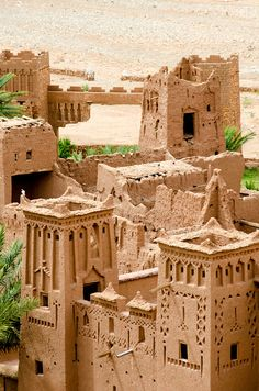 Ouarzazate and Kasbah Ait Benhaddou private day trip - AnnoQri Tours Vernacular Architecture, Futuristic Architecture, Ancient Architecture, Gothic Architecture, Morocco Travel, Africa Travel, Vietnam Travel, Oh The Places You'll Go, Places To Visit