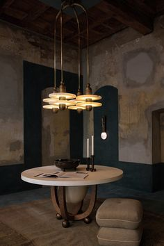 Apparatus Milano - Photo by Alex Lesage — threefold Apparatus Lighting, Lesage, Modern Dining Table, Dining Tables, How To Make Light, Dining Room Design, Ceiling Lamp, Innovation Design, Lighting Design