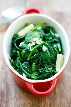 Garlic Butter Spinach - sauteed baby spinach with garlic & butter. Easy and healthy recipe with only 5 ingredients and takes 8 mins   rasamalaysia.com