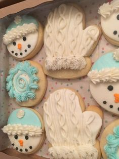 Decorated Sugar Cookies - LOVE the cable knit buttercream! Easy Sugar Cookies, Christmas Sugar Cookies, Iced Cookies, Holiday Cookies, Cupcake Cookies, Cookies Et Biscuits, Cupcakes, Buttercream Decorating, Cookie Decorating