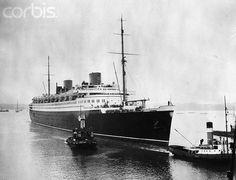 ", England: The 48,000 ton liner ""Bremen"" pf the North German Lloyd ..."