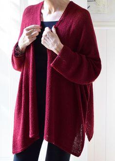 A lightweight cardigan knit in fingering weight yarn - perfect for summer wear. Beginner Knitting Patterns, Knitting For Beginners, Cardigan Pattern, Knit Cardigan, Knit Sweaters, Sweater Patterns, Winter Cardigan, Sweater Weather, Knitting Yarn