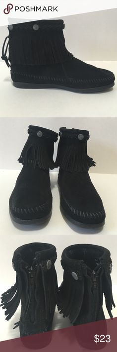 Minnetonka Black Suede Ankle Boots Excellent condition, like new! These boho moccasins are a must. Fashionable and super comfortable for everyday wear. Minnetonka Shoes Ankle Boots & Booties