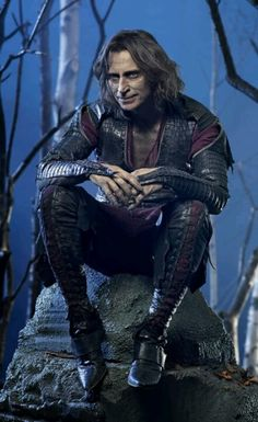 He's so creepy in such a hot way! Rumplestilskin on Once Upon a Time