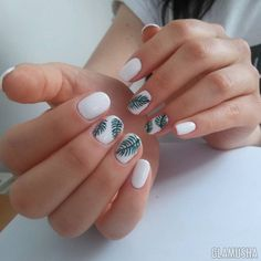 Semi-permanent varnish, false nails, patches: which manicure to choose? - My Nails Hawaii Nails, Beach Nails, Florida Nails, Fancy Nails, Pretty Nails, Hair And Nails, My Nails, Cruise Nails, White Nail Designs