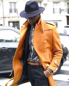 Streetstyle fashion week homme paris automne hiver Well dressed men make me swoon. Fashion Moda, Look Fashion, Mens Fashion, Fashion Trends, Fashion Photo, Paris Fashion, Street Fashion, Winter Fashion, Fashion Vest