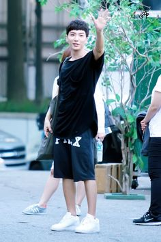 After SBS Inkigayo – Leeteuk  From 140907