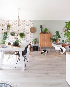 Love the different wallpaper with the plants in this space! What yall think? Bohemian Wallpaper, Bohemian Living Rooms, Living Comedor, Living Room Colors, Cozy House, House Colors, New Homes, House Design, Shabby Chic