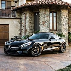 Mercedes Yes the perfect looking AMG GT done by our friends California Wheels Check them Automobile Mercedes Benz Amg, Mercedes Car, Mercedes Black, Sexy Cars, Hot Cars, Van 4x4, Carl Benz, Audi, Automobile