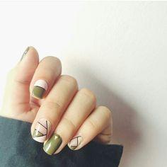 Geometric design in nude and green