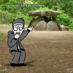 Dolmen de Axeitos : #WebcomicZ 104 : #ClipStudioPaint  #Cintiq  #: #webcomic #comics #comicdiario #dailycomic #comic #tebeo #artistsoninstagram : #DailySketch 834 #blancoynegro #blackandwhite #turismo #galicia #dolmen #axeitos #miedo #terror #piedras #bosque