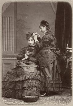 carolathhabsburg:  Sisters. Mids 1870s