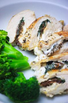 My PCOS Kitchen - Stuffed Chicken Breasts with Basil, Goat Cheese and Sun Dried Tomatoes - The best low carb and gluten-free dinner idea! Low Carb Chicken Recipes, Meat Recipes, Low Carb Recipes, Recipies, Sugar Free Carrot Cake, Goat Cheese Stuffed Chicken, Dinner Side Dishes, Main Dishes, Gluten Free Dinner