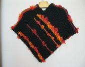 Poncho fille bicolore noir - orange tricoté avec petits : Mode filles par vacri sur ALittleMarket