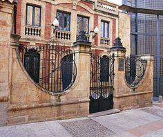 Fachada de la Casa Lis, Salamanca España.