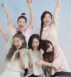 Chaeryeong my baby ❤ ( Kpop Girl Groups, Korean Girl Groups, Kpop Girls, South Korean Girls, I Love Girls, Cute Girls, My Love, Fandom Kpop, Photo Cards
