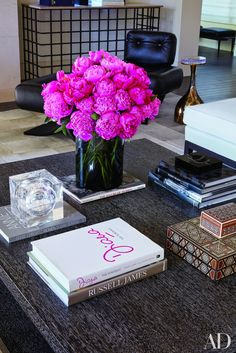 Style Your Cocktail Table Like a Celebrity Coffee Table Centerpieces, Decorating Coffee Tables, Floral Centerpieces, Floral Arrangements, Flower Arrangement, Chanel Coffee Table Book, Coffee Table Books, Coffee Table Flowers, Book Table