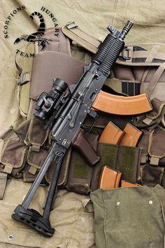 Crossed AK-47/'s Star Assault Rifle Pro-gun 2nd Amendment Boy Beater Tank Top