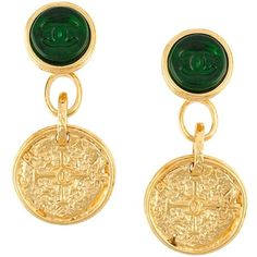 Pre-owned Chanel Vintage '95A Gripoix' dangly clip-on earrings ($1,080) ❤ liked on Polyvore featuring jewelry, earrings, chanel, accessories, metallic, vintage earrings, vintage jewelry, vintage green jewelry, green earrings and clip on earrings