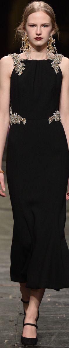 Dolce&Gabbana Alta Moda S/S 2016 One of the best http://www.aromatiqueessentials.com.au