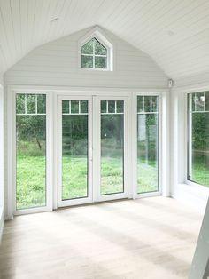Se husmodell: LINNEA | Modulhus.se Loft, Windows, Lofts, Window, Ramen, Attic Rooms, Attic, Mezzanine