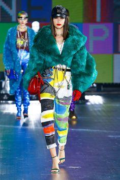 Versace Fashion, 80s Fashion, Party Fashion, Fasion, Fashion Show, Fashion Outfits, Fashion Addict, Fashion Art, Dolce & Gabbana